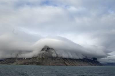 b2ap3_thumbnail_Brooding-Spitsbergen.jpg