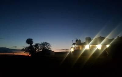 b2ap3_thumbnail_Casa-Rural-Las-Canteras-2-at-dusk-Clare-Gower.jpg