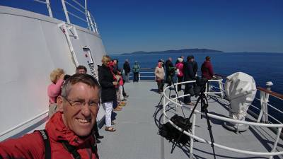 b2ap3_thumbnail_Jeff-and-some-of-the-Whale-Watchers-of-Islay-270619-JJC.jpg