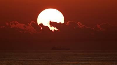 b2ap3_thumbnail_Sunset-offshore-Peru-240217-JJC.jpg